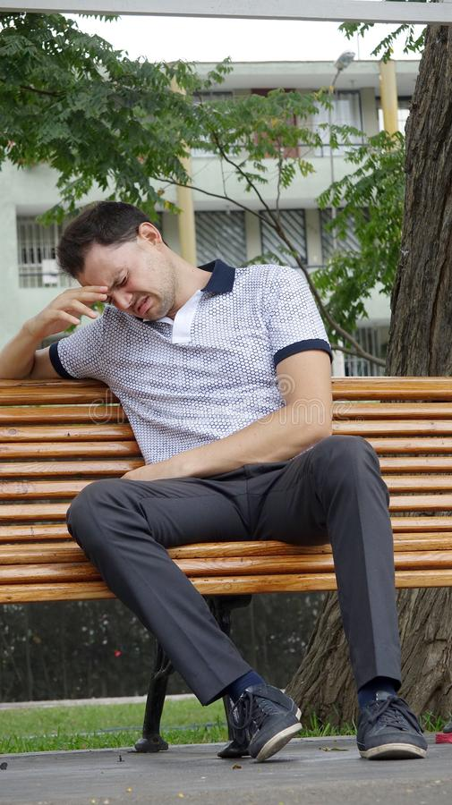 Nieszczęśliwa Nieogolona Włoska osoba obrazy stock