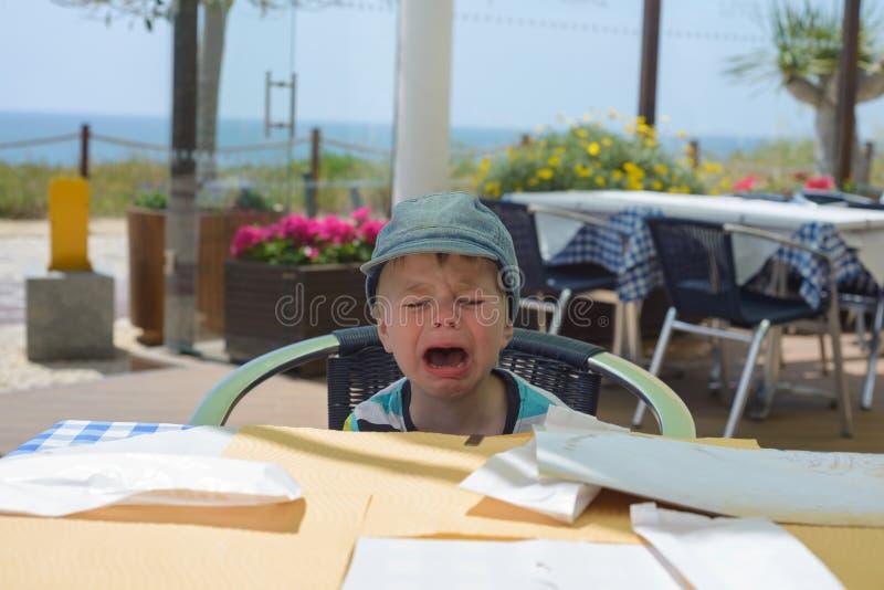 Nieszczęśliwa płacz chłopiec fotografia royalty free