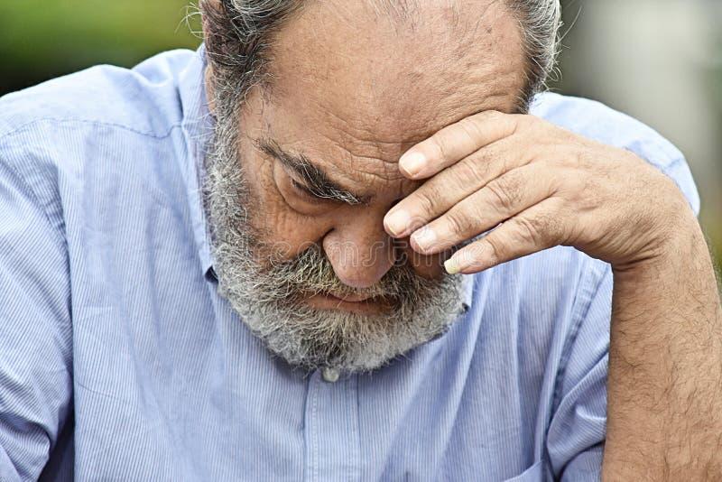 Nieszczęśliwy Starszy Kolumbijski Męski dziad zdjęcia stock