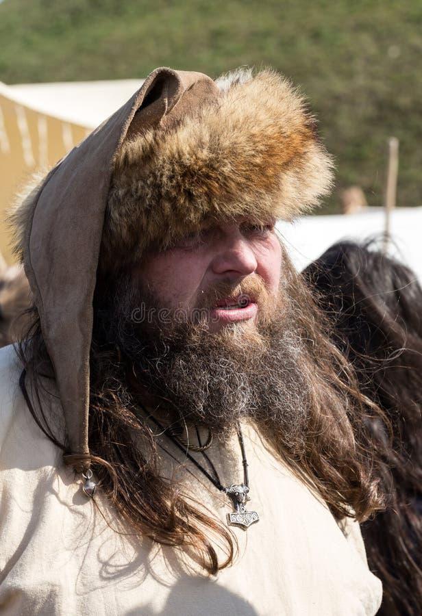 Niet geïdentificeerde deelnemers van Rekawka - de Poolse traditie, vierde in Krakau op Dinsdag na Pasen stock foto