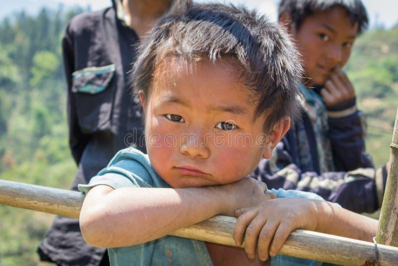 Niet geïdentificeerde Hmong-Jongens in Sapa, Lao Cai, Vietnam royalty-vrije stock afbeelding