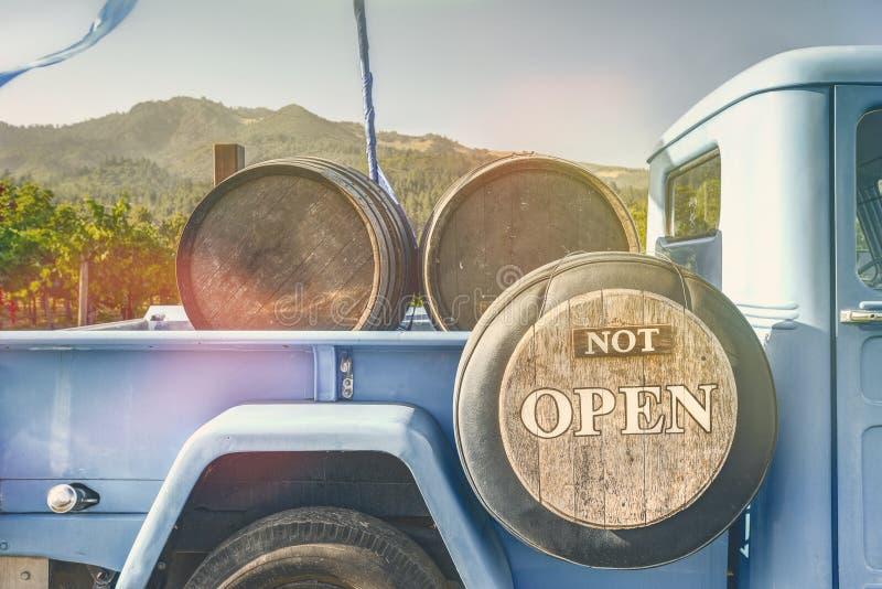 Niet Open, ga drinken Wijn stock afbeeldingen
