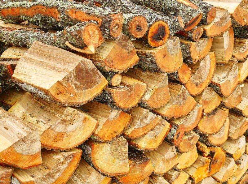 Nietje van biomassa, geschikt brandhout royalty-vrije stock foto