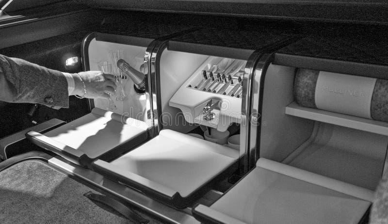 Nieuw Bentley Mulsanne stock afbeeldingen