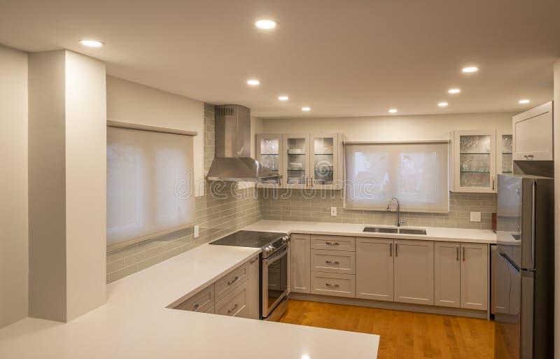 Nieuw en modern Open Concept Kitchen 1 stock foto's