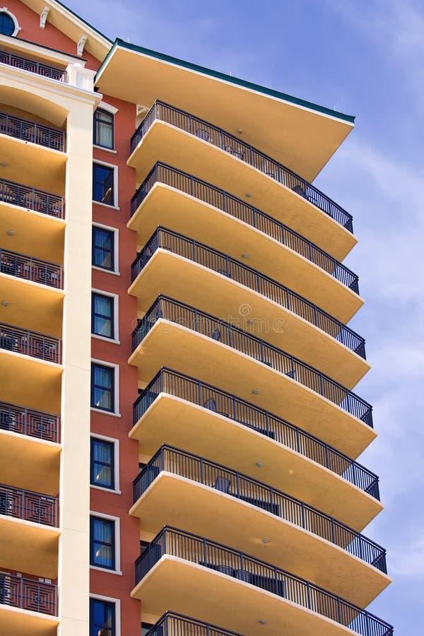 Download Nieuw flatgebouw stock foto. Afbeelding bestaande uit echt - 10778478