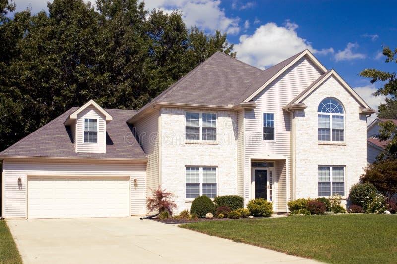 Download Nieuw Huis stock afbeelding. Afbeelding bestaande uit baksteen - 279411