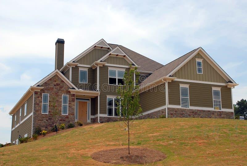 Nieuw huis voor verkoop stock foto afbeelding bestaande for Huis aantrekkelijk maken voor verkoop