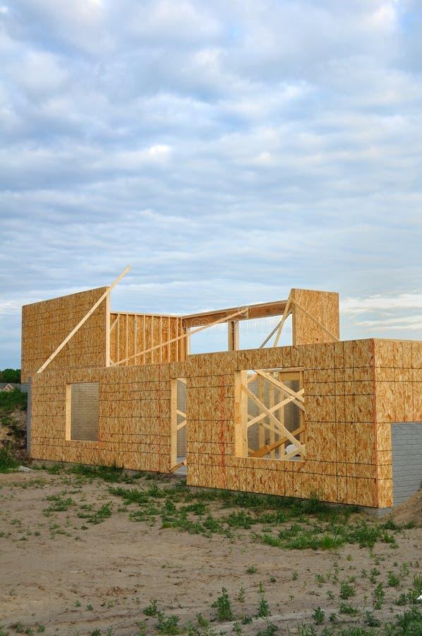 Nieuw huisbouw, frame muren van kelderverdieping royalty-vrije stock foto