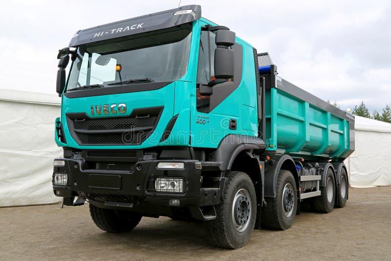 Nieuw Iveco Trakker 500 Euro Op zwaar werk berekende Vrachtwagen 6 stock foto's