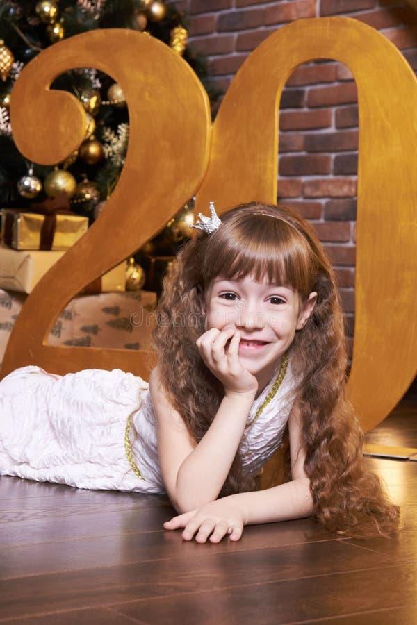 Nieuw jaar vreugde Prinses Portretkind Meisje Kerstmisbinnenland stock afbeelding