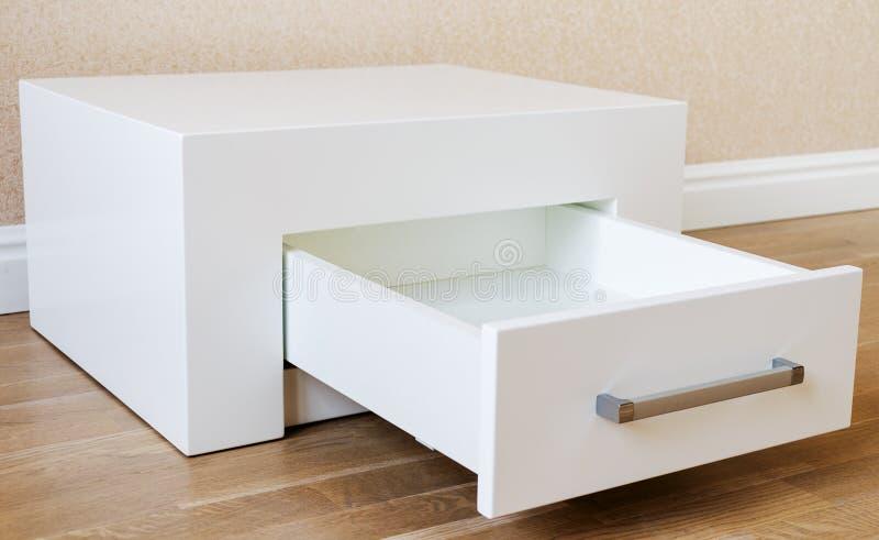 Nieuw meubilair, kabinet met laden royalty-vrije stock foto's