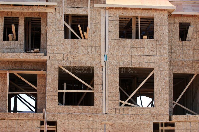 Nieuw multihuis in aanbouw royalty-vrije stock afbeelding