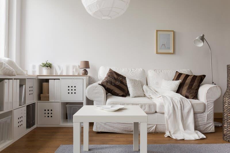 Nieuw ontwerp wit meubilair royalty-vrije stock foto's