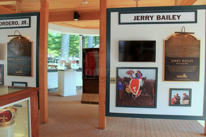 Nieuw tentoongesteld voorwerp van jocky winsten bij de rassen, Saratoga-Renbaan, New York, 2015 stock afbeelding
