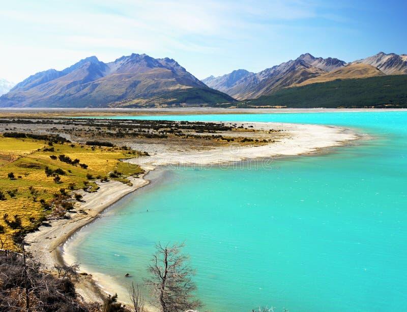 Nieuw Zeeland, Mooi Meer en Bergenlandschap stock foto's