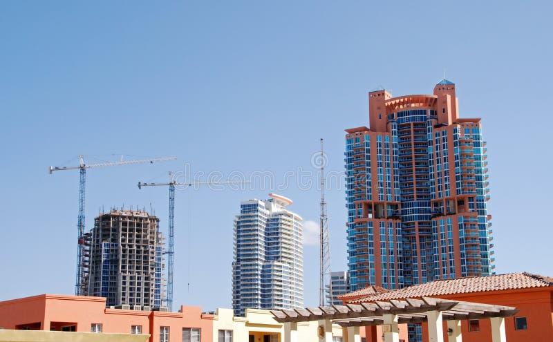 Nieuwe bouw in hete onroerende goederenmarkt royalty-vrije stock foto's