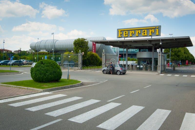 Nieuwe Ferrari-fabrieksingang stock foto