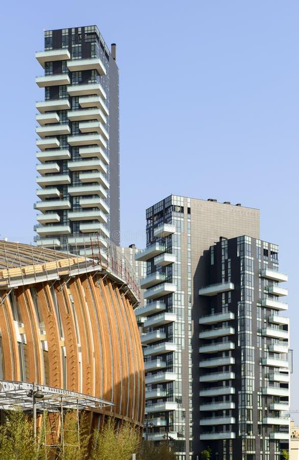 Nieuwe gebouwen bij bedrijfshub, Milaan royalty-vrije stock afbeeldingen
