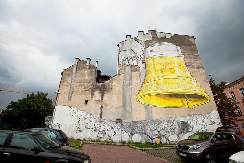 Nieuwe graffitimuurschilderingen door kunstenaar BLU royalty-vrije stock foto