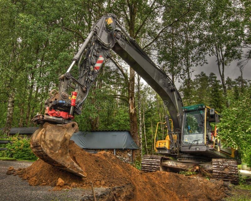 Nieuwe grond voor huistuin in HDR stock fotografie