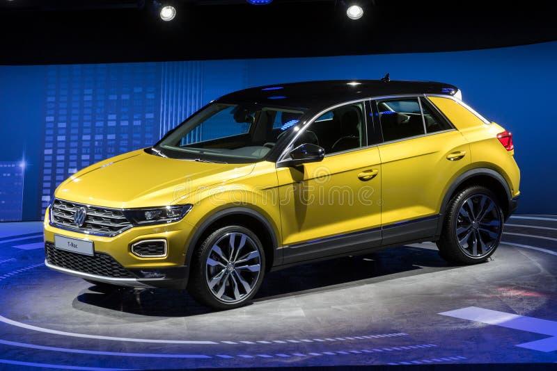 Nieuwe het t-Roc van Volkswagen van 2018 compacte SUV-auto royalty-vrije stock foto's