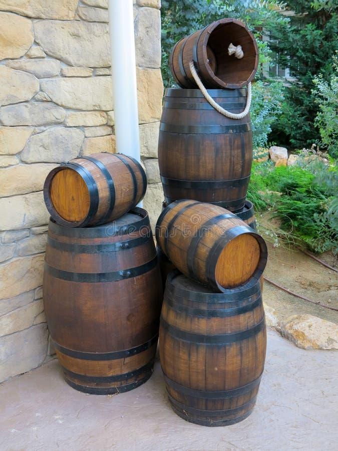 Nieuwe houten vaten stock afbeelding
