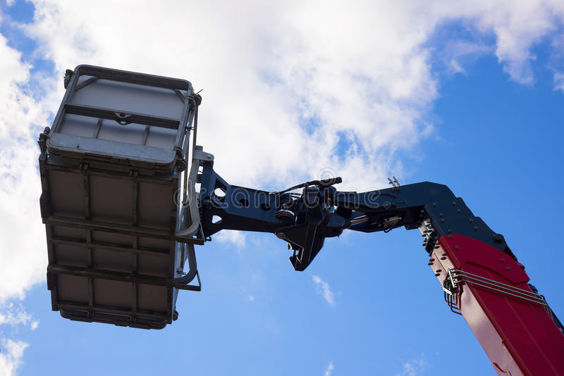 Nieuwe hydraulische wapen en mand van mobiele kraan royalty-vrije stock foto