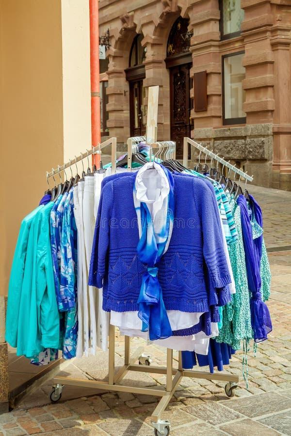 Nieuwe inzameling van kleren royalty-vrije stock foto