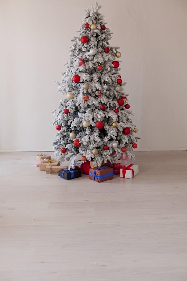 Nieuwe Kerstmis van het van de achtergrond jaarwinter de giftenvakantie Kerstboomdecor stock fotografie