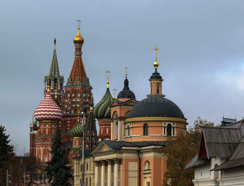 Nieuwe meningen van Moskou het Kremlin stock afbeeldingen
