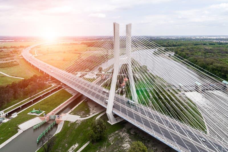 Nieuwe moderne brug stock foto's