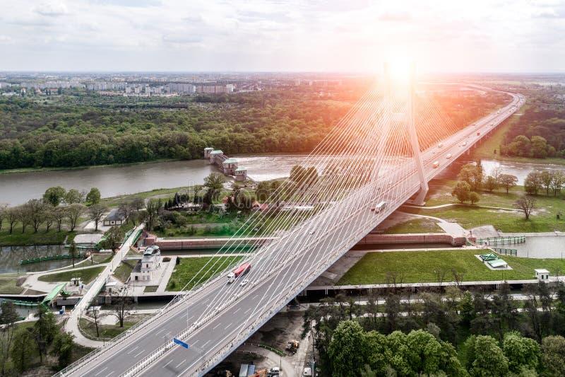 Nieuwe moderne brug royalty-vrije stock afbeelding