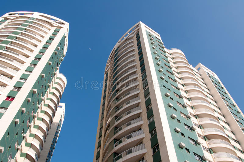 Nieuwe Moderne Flatgebouwen stock foto