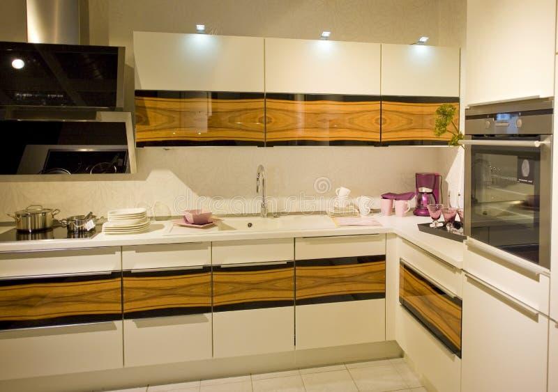 Nieuwe moderne keukenschaal 17 stock fotografie