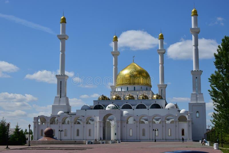Nieuwe moskee in Astana/Kazachstan stock fotografie