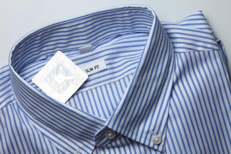 Nieuwe overhemd en rfid markering stock afbeeldingen