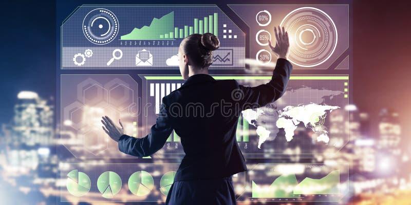 Nieuwe technologie?n en innovaties als methodes voor effici?nte moderne zaken royalty-vrije stock foto's