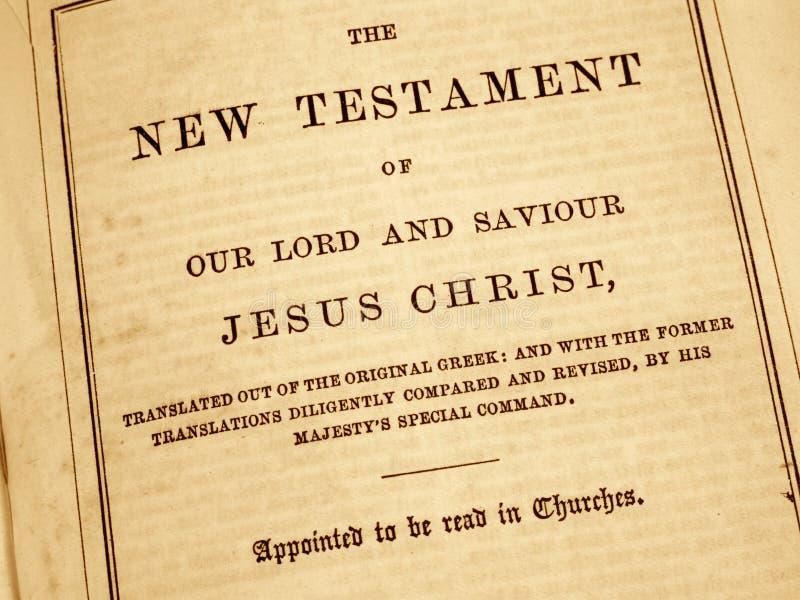 Nieuwe Testament in een antieke bijbel. stock fotografie
