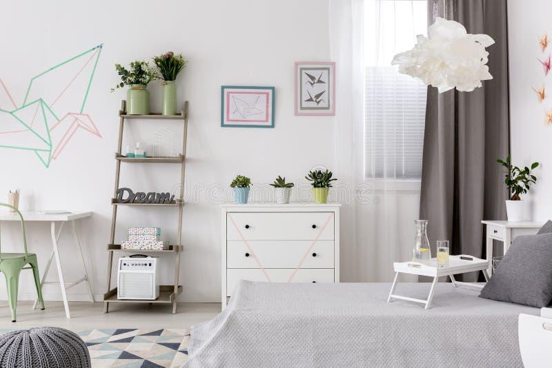 Nieuwe vlakte met DIY-decoratieidee royalty-vrije stock afbeelding
