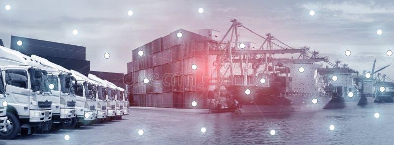 Nieuwe vrachtwagenvloot met containerdepot zoals voor het verschepen en logistiek de vervoersindustrie royalty-vrije stock afbeelding