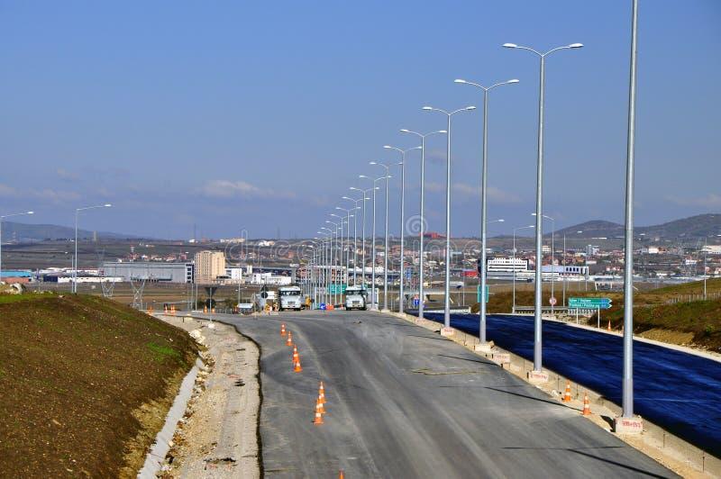 Nieuwe wegweg in aanbouw stock foto