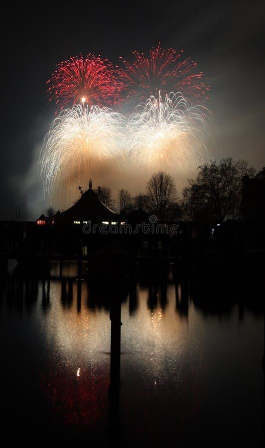 Nieuwjaar 2008 vuurwerk Zürich stock afbeeldingen
