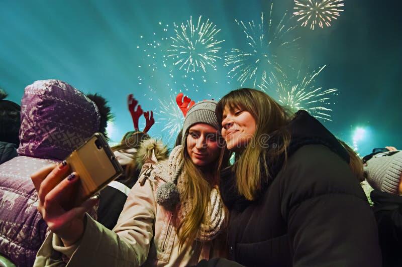 Nieuwjaar` s vuurwerk in Belgrado stock foto's