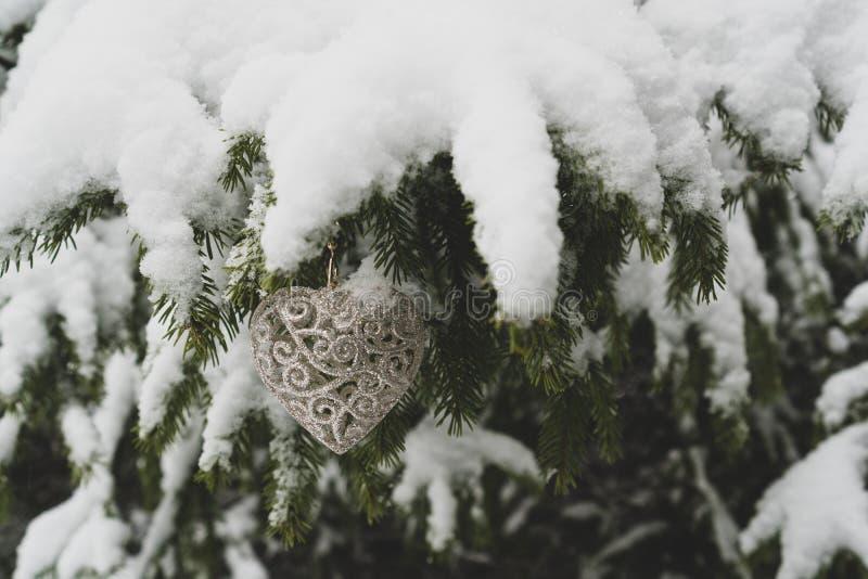 Nieuwjaarhart gevormde Decoratie stock fotografie