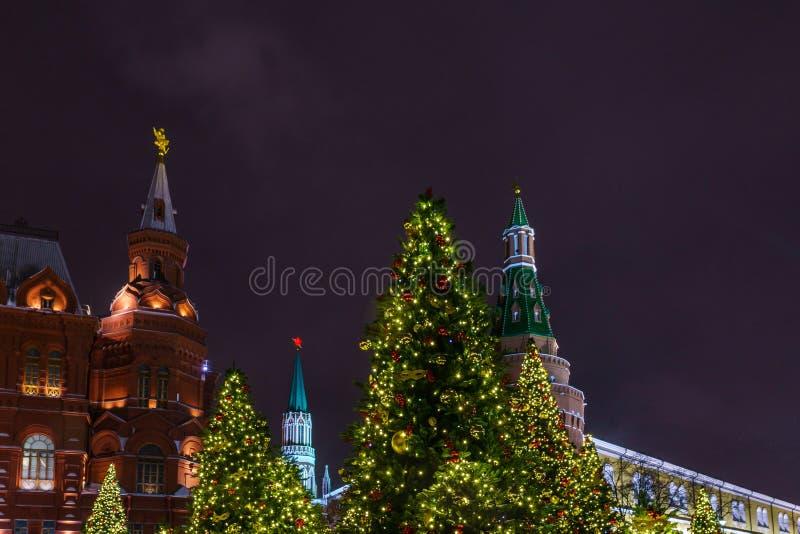 Nieuwjaarvooravond op het Rode Vierkante Kremlin, Moskou, Rusland stock fotografie