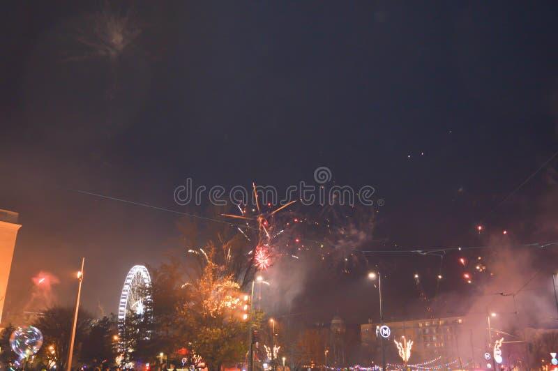 Nieuwjaarvuurwerk op Erzsébet-Vierkant in Boedapest op 31 December, 2017 stock afbeeldingen