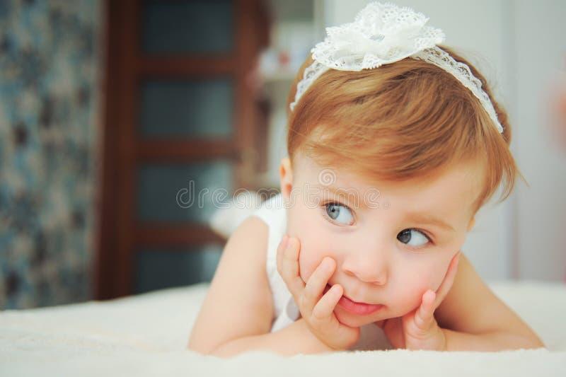 Nieuwsgierig meisje royalty-vrije stock foto