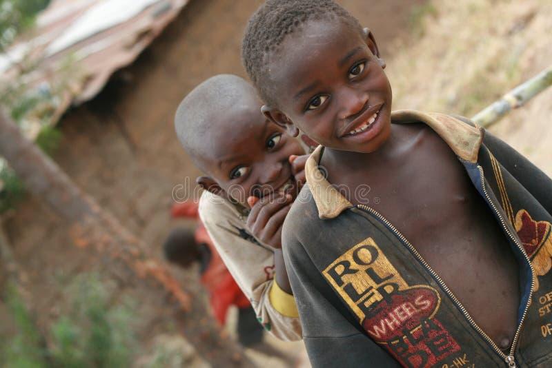 Nieuwsgierige Kinderen van Afrika royalty-vrije stock fotografie