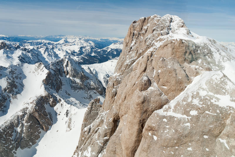 Nieve del invierno del pico de la cumbre del top de la roca de la montaña, Marmolada Sella Dolomiti, Italia fotos de archivo